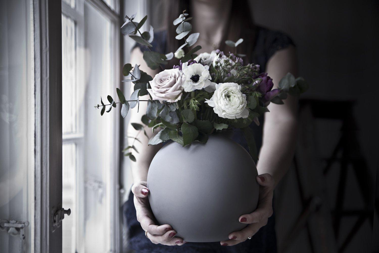 Skicka ett blommogram som blombud
