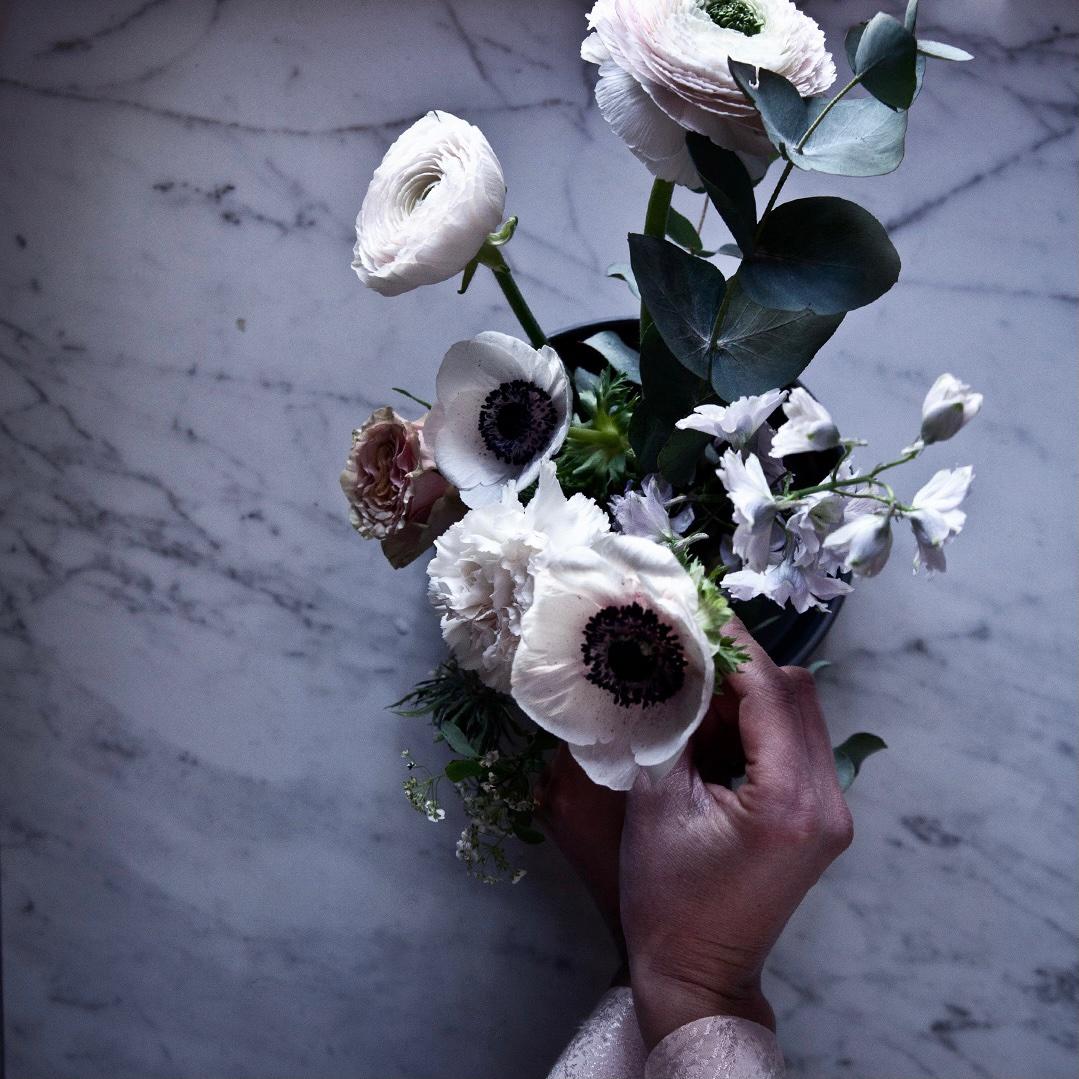 Så gör du ett blomsterarrangemang av ditt blombud