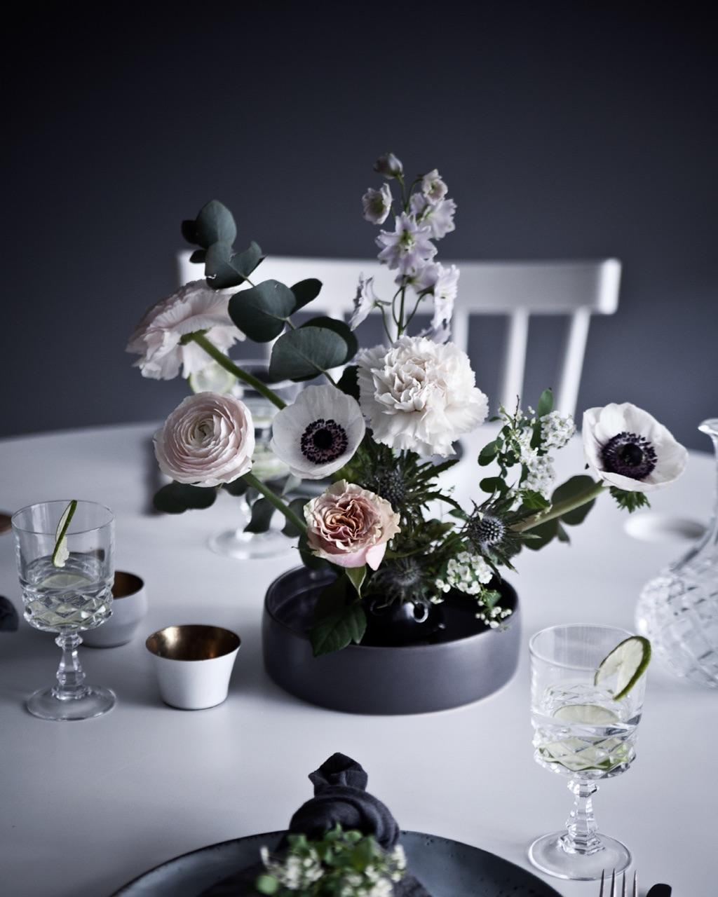 Fakir, pinholder, flower frog, blomsterhållare